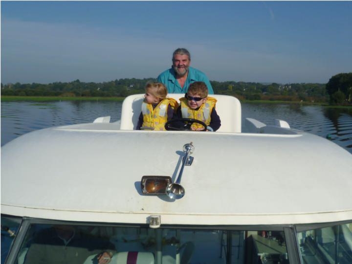 Boating Holidays with Sedan 1310 A - Outside Steering Position