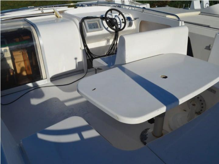 Boating Holidays with Haines 40 - A Great Sundeck at the Rear