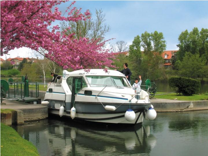 Boating Holidays with Confort 900 A - ext 5