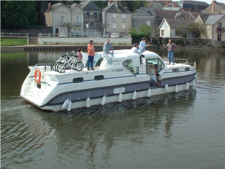 Boating Holidays with Confort 1350 - Ideal Boat for 4 Couples