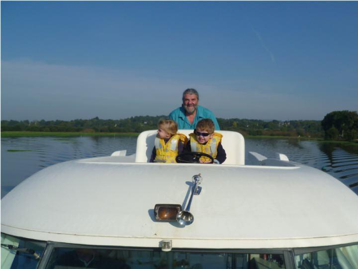 Boating Holidays with Sedan 1000 A - Outside Steering Position