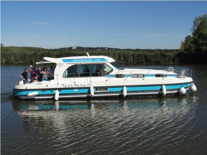 Boating Holidays with Sedan 1310 a - ext 4