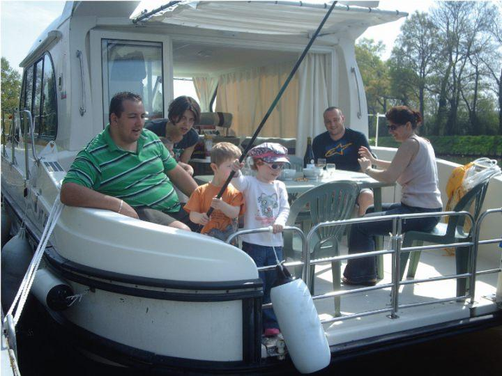 Boating Holidays with Sedan 1000 A - A Great Sundeck at the Rear