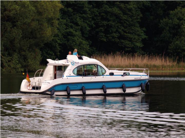 Boating Holidays with Estival Quattro - ext 5