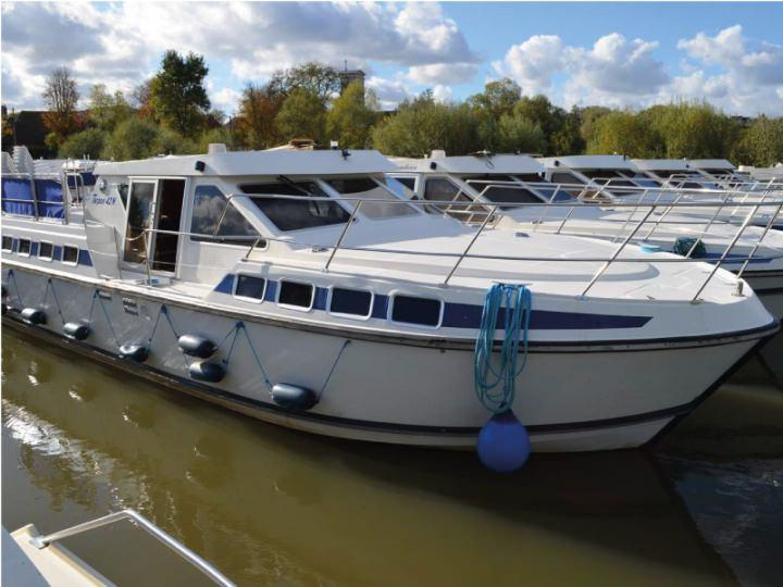 Canal Boat Tarpon 42 N - ext 4