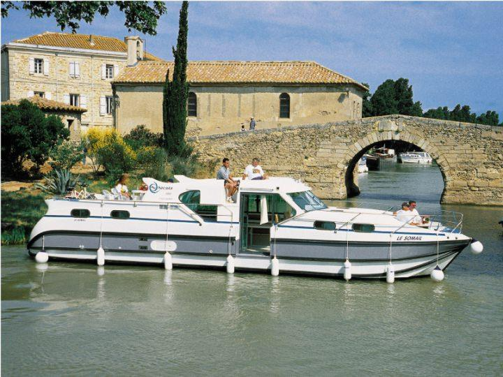 Boating Holidays with Confort 1350 VIP - ext 4