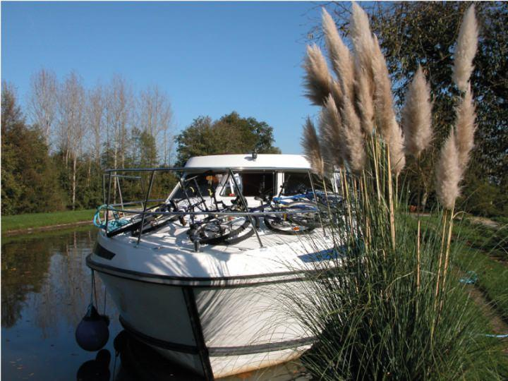 Canal Boat Tarpon 42 - Bow Thruster