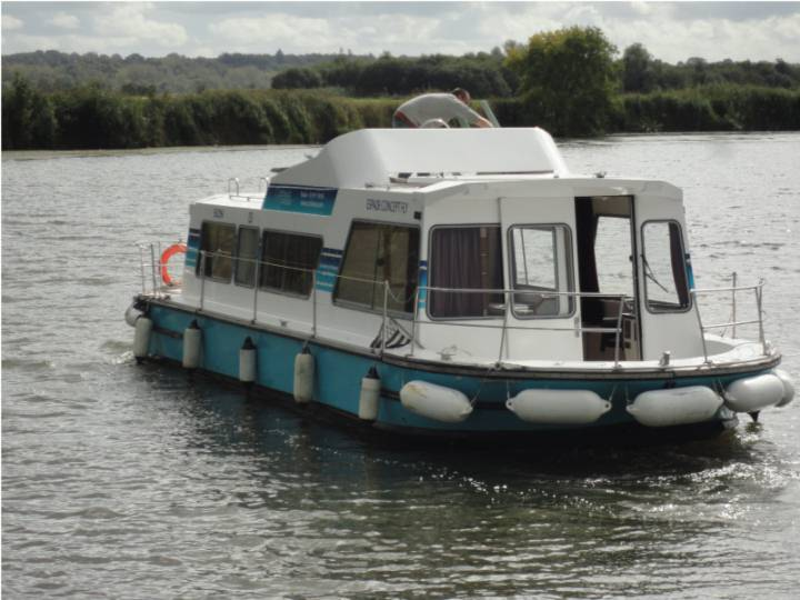 Boating Holidays with Espade Concept Fly - 2 Cabins, ideal for 2 Couples and 2 Children