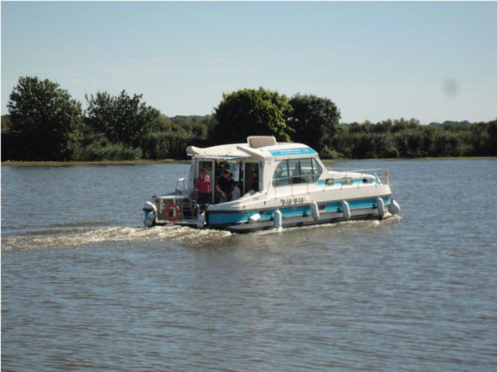 Boating Holidays with Sedan 1310 a - ext 6