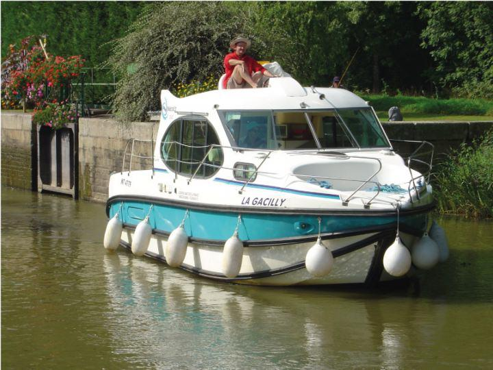 Boating Holidays with Estival Duo - ext 4