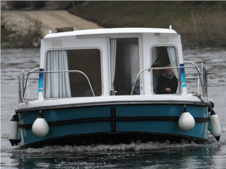Boating Holidays with Eau Claire 930 - A Small Sundeck at the Front