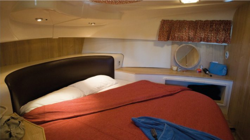 Royal Mystique - Front Cabin with 1 Double Bed