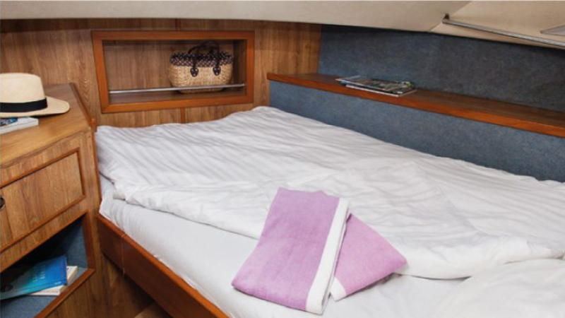 Grand Classique - Front Cabin with 1 Double Bed