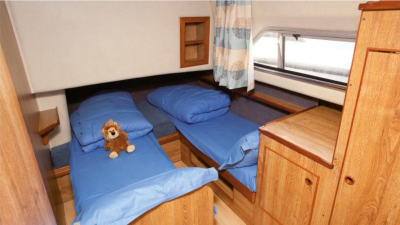 Classique - Portside Rear Cabin choice of 1 Double Bed or 2 Single Beds