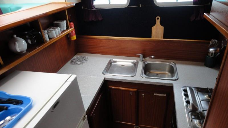 Boating Holidays with the Tarpon 37 N - Kitchen with a Large Fridge