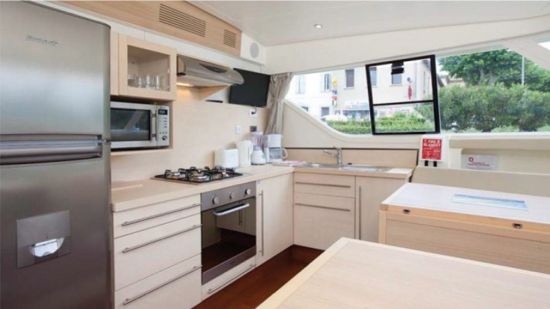 Vision 4  - Kitchen with Microwaves and DVD Flat Screen