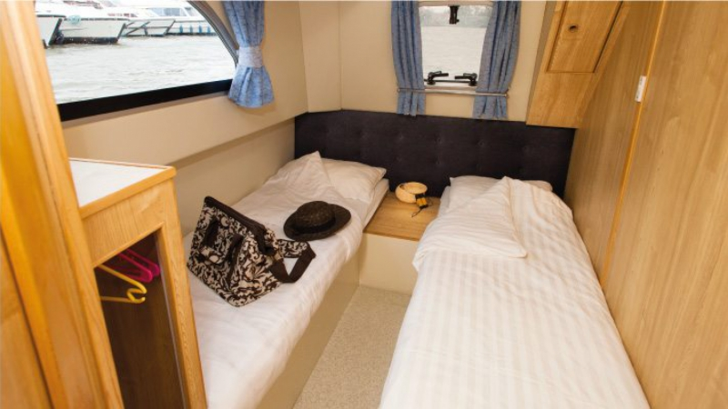 Calypso - Starboard Rear Cabin choice of 1 Double Bed or 2 Single Beds