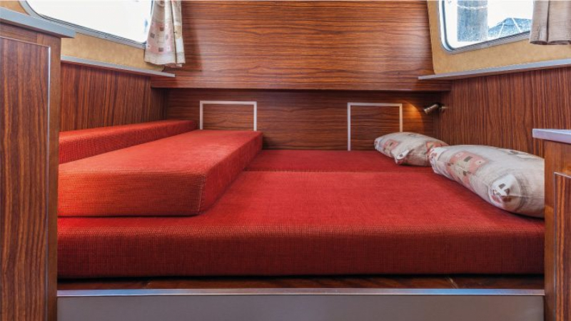 Penichette 1106 FB - Front Cabin with a Double Bed