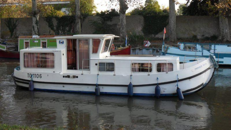 Boating Holidays with Penichette 935 W