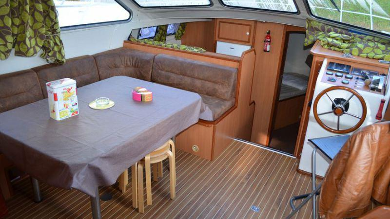 Boating Holidays with Tarpon 42 N - Lounge convertible in Double Bed