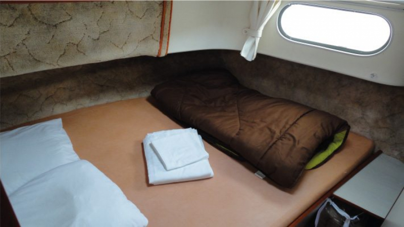 Confort 1350 B - Front Cabin with a Double Bed