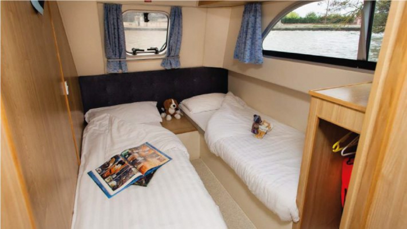 Salsa B - Portside Rear Cabin choice of 1 Double Bed or 2 Single Beds