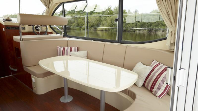 Estival Octo - Lounge with DVD Player and Flat Screen TV, convertible into a Double Bed