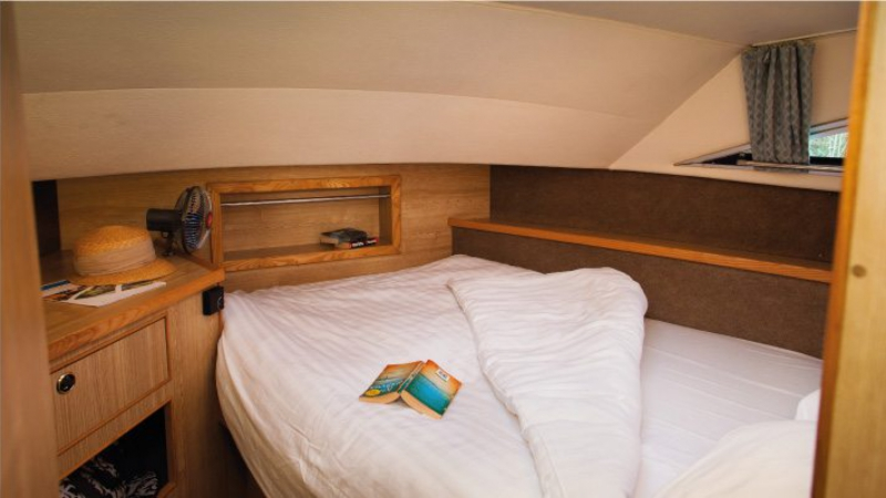 Classique - Front Cabin with 1 Double Bed