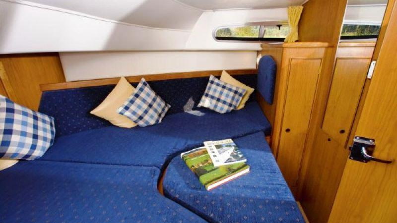 Haines 40 - Front Cabin, choice between a Double Bed or 2 Single Beds