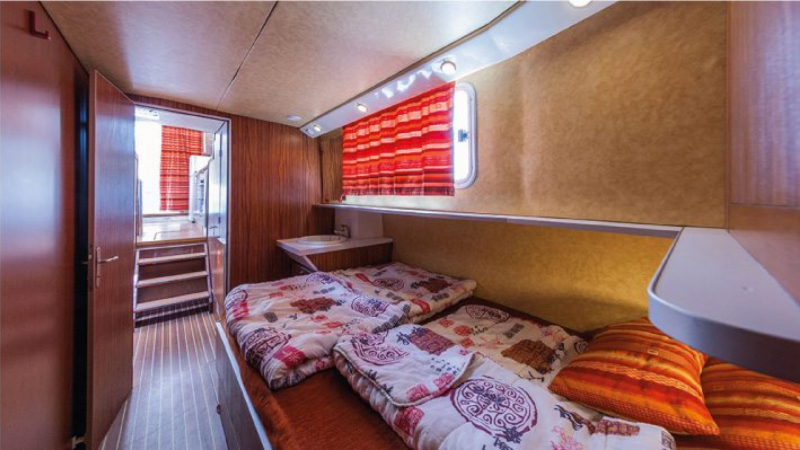 Penichette 1120 R - Front Cabin Babord with a Double Bed