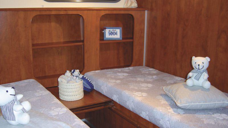 Confort 1350 - Rear Cabins, choice between a Double Bed or 2 Single Beds