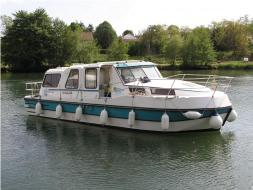 2 Cabins, ideal for 4 Adults and 2 Children