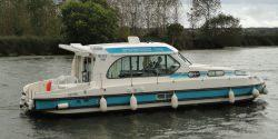 Canal Boating Holidays with sedan 1160