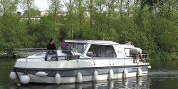 Canal Boating Holidays with riviera 1120