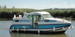 Boating Holidays with the Confort 900