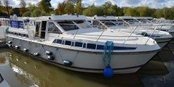 Canal Boating Holidays with Tarpon 42 N