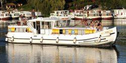 Canal Boating Holidays with penichette 1400 FB
