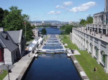 discover Canal du Rideau by sailing in a self drive barge Rideau Canal - Canada