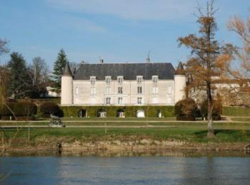 discover The Château de Saint Brice by river boat by sailing in a self drive barge Charente