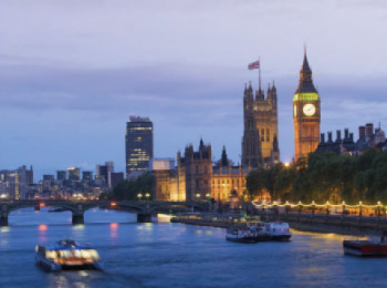 discover London by sailing in a self drive barge The Thames - London