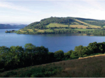 discover Loch Ness by sailing in a self drive barge Caledonian / Loch Ness