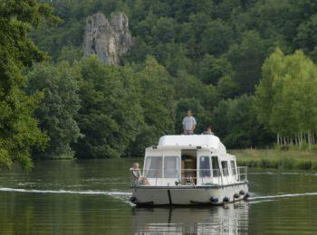 discover Sailing in Burgundy by sailing in a self drive barge Burgundy Nivernais
