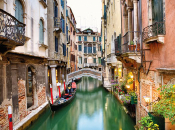 discover Venise by sailing in a self drive barge Venise
