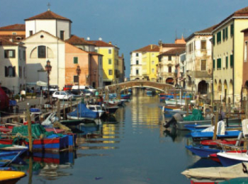 discover Chioggia by sailing in a self drive barge Venise