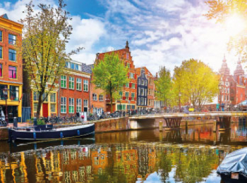 discover Amsterdan by sailing in a self drive barge Amsterdam-Dutch Canals