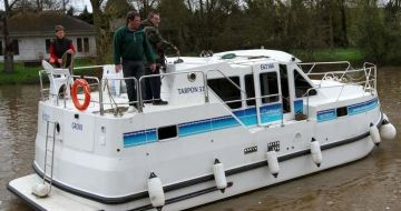 Canal Boating Holidays with tarpon 32 B