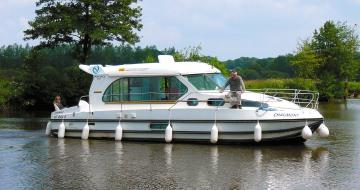 Canal Boating Holidays with sedan 1000 A