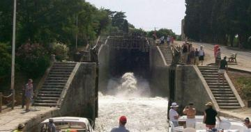 Fonsérannes , the flight of locks