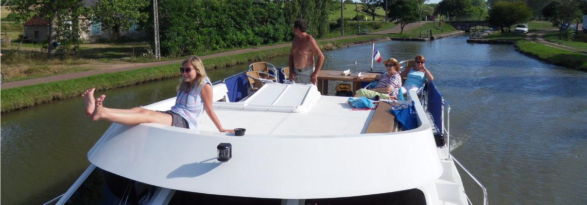 Canal Boating Holidays on Tarpon 42 Trio Prestige Slide 2