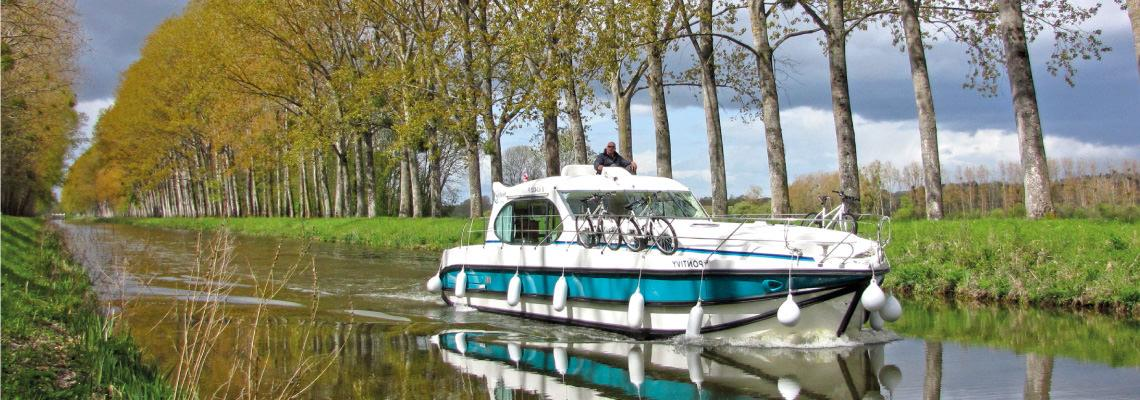 Canal Boating Holidays on Estivale Sixto 1